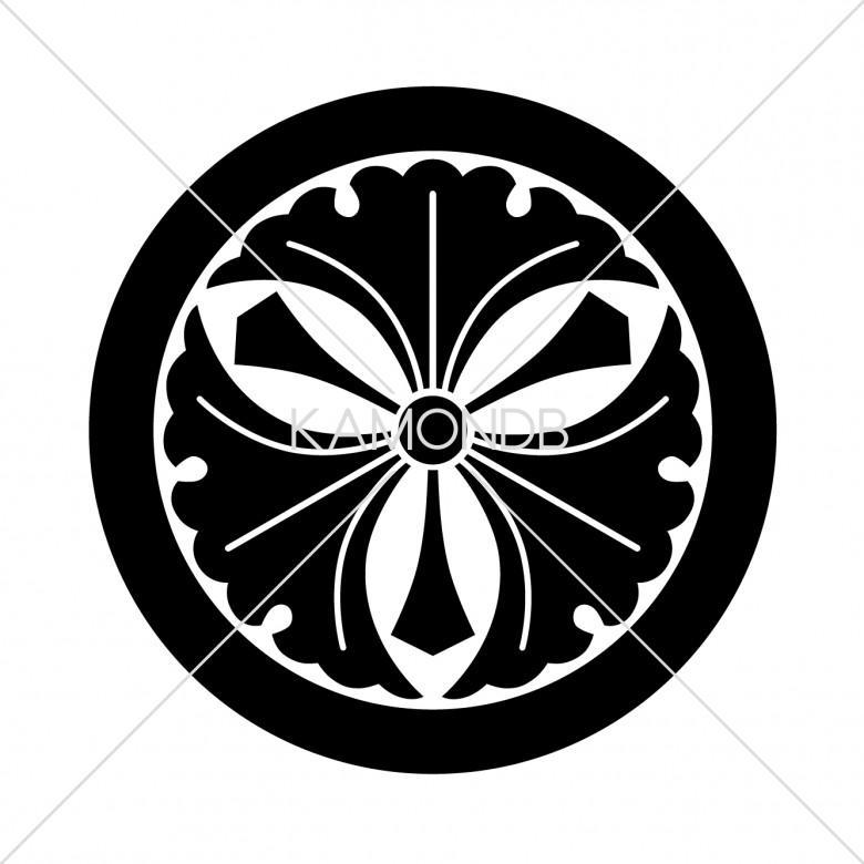 丸に剣三つ銀杏