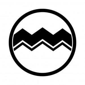 細輪に山道