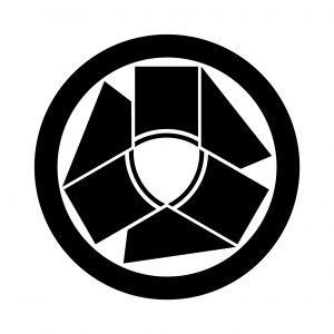 丸に三つ角頭巾