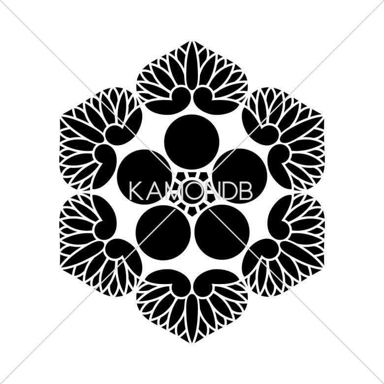 六つ葵梅鉢